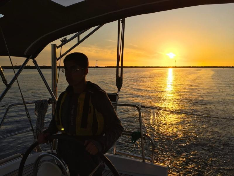 HMSA LifeSail member steering a yacht near Marina del Rey. Photo courtesy of Mr. Schulz.
