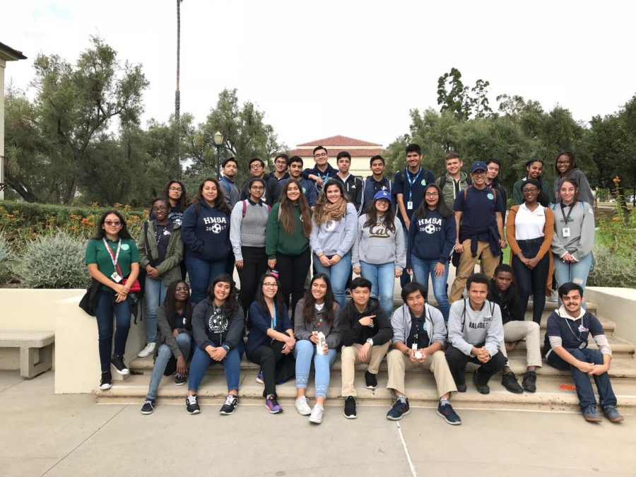 Students%2C+Ms.+Bui%2C+and+Ms.+Vazquez+pose+for+a+quick+picture.+