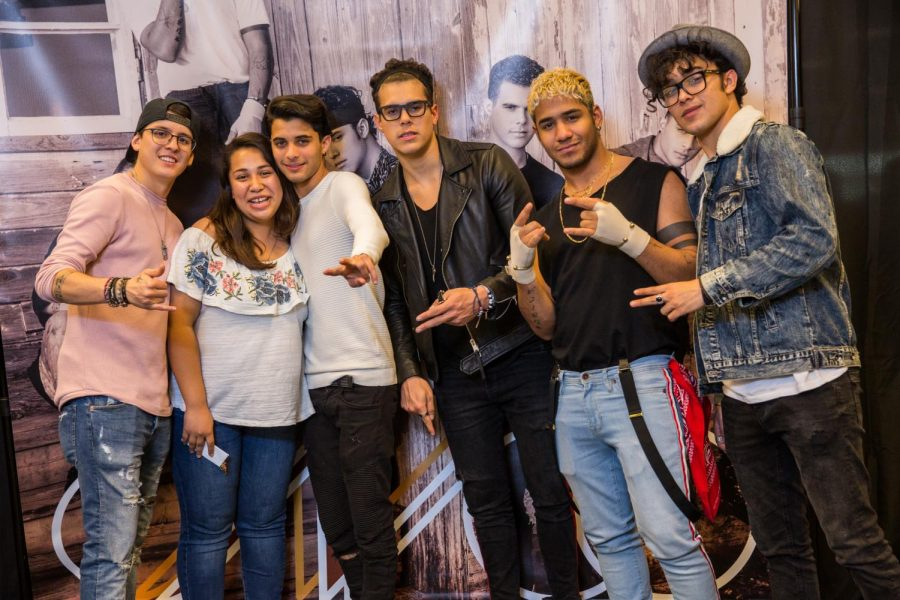 Esli+Gallegos+had+the+opportunity+to+meet+CNCO+at+their+meet+and+greet+located+Barnes+and+Nobles+%28The+Grove%29.+