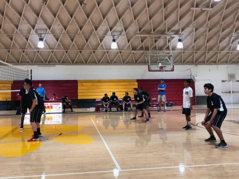 The boys volleyball started their playoff game strong and faced a tough team (Photo Source: Pedro Adame).